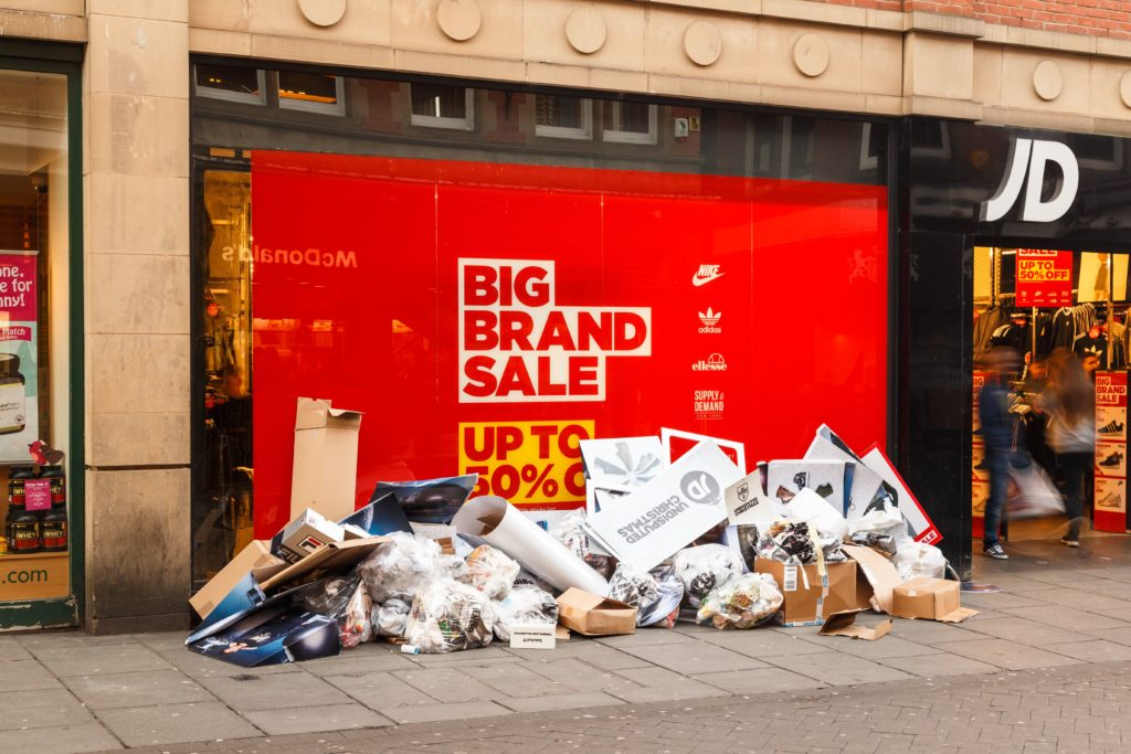 shop rubbish clearance-clearitwaste